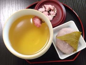 桜美漢茶と桜餅