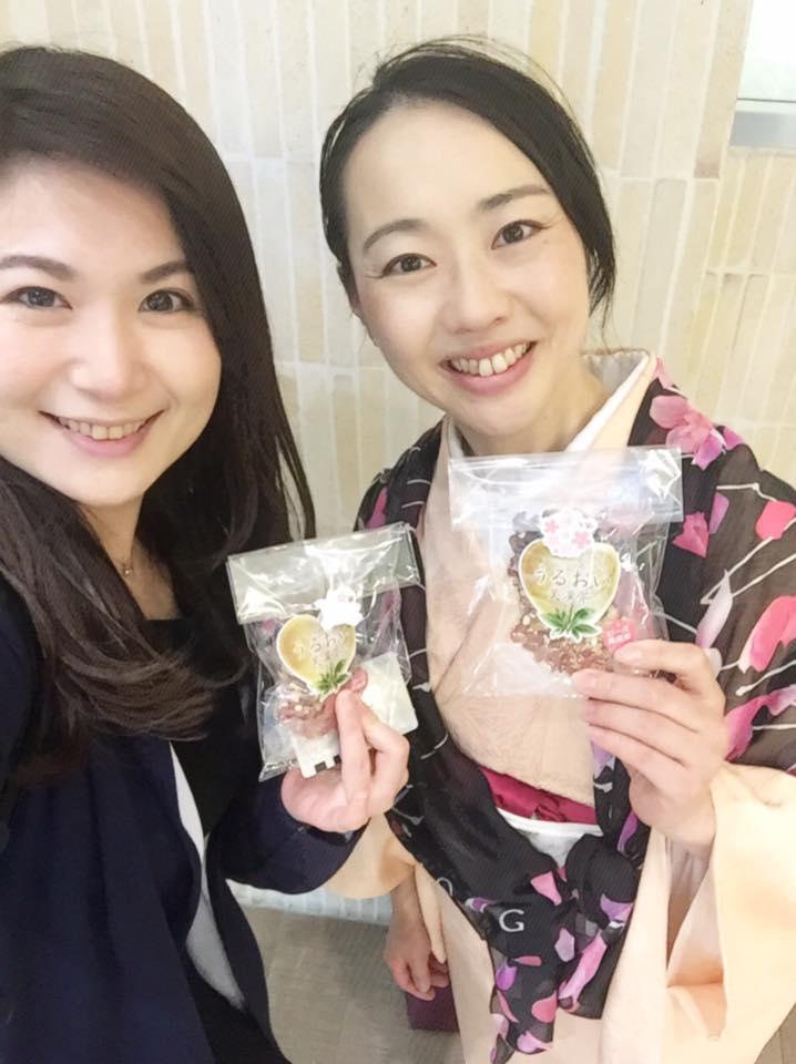 左:上杉恵理子さん