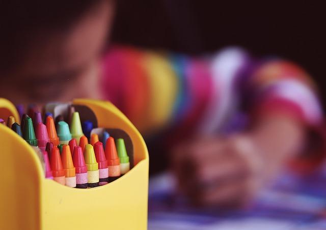 crayons-1209804_640.jpg