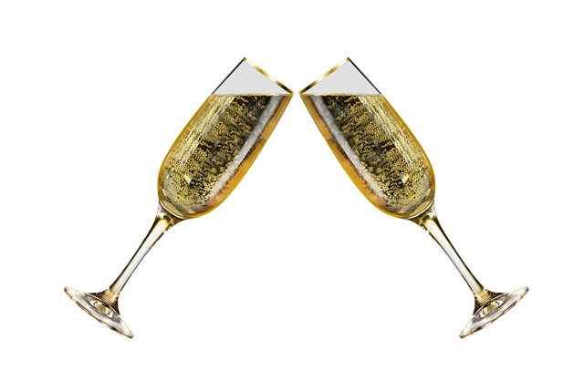 champagne-glasses-1899909_640.png