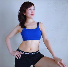 山口友香子.png