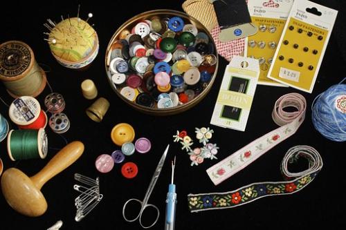 sewing-955333__340.jpg