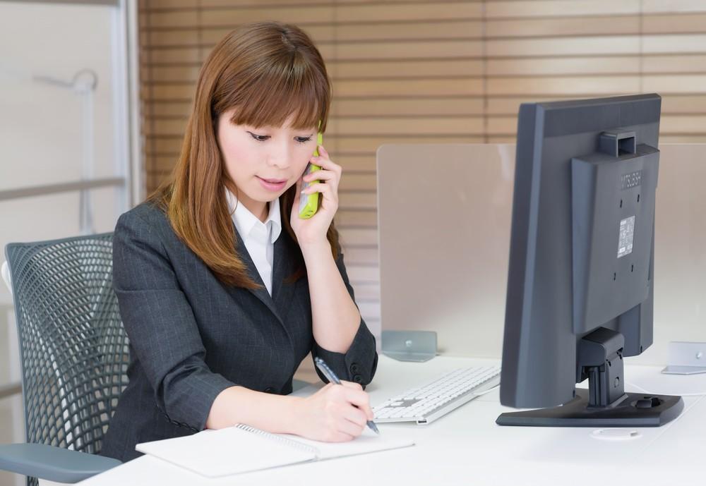 電話女性.jpg