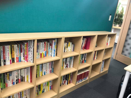 集まる集客図書館.JPG