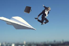 空飛ぶビジネスマン