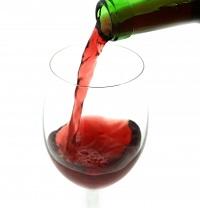 ワイン注ぐ200p.jpg
