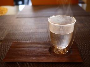 白湯の飲み過ぎは効果がない?飲む量やタイミングが気になる!2.jpg