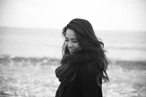 profileモノクロ.jpg