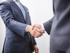 握手 ビジネスマン.jpg