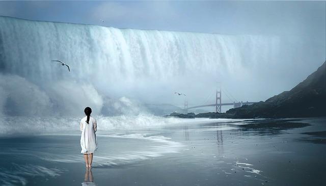 waterfall-2271231_640 (1).jpg