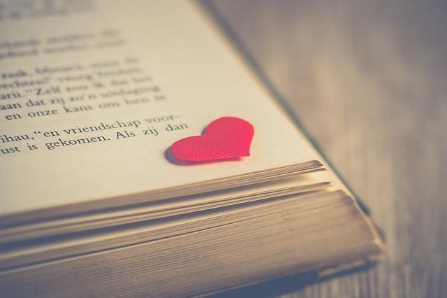 valentine-3061478_640.jpg
