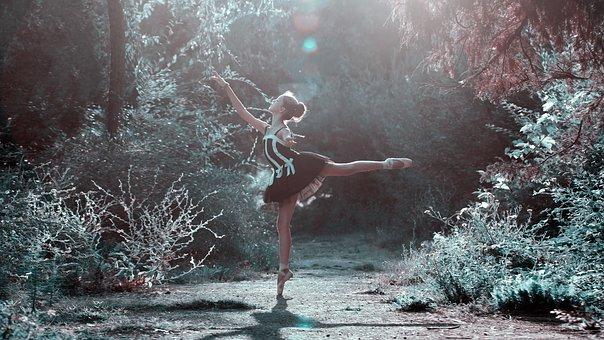 ballet-pose-1725207__340 2.jpg