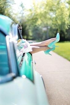womans-legs-887286__340.jpg