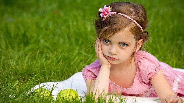 girl-1839623__340.jpg