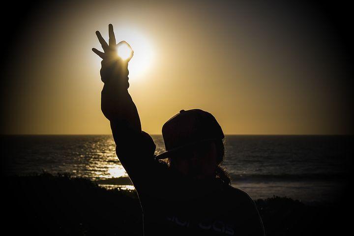 sunset-2427003__480.jpg