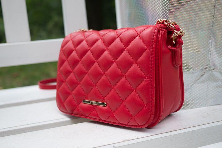 handbag-2661412__480.jpg