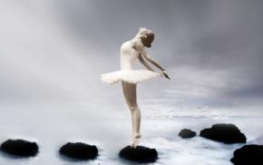 ballerina-3055155__480.jpg