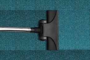 vacuum-cleaner-268179_1920.jpg
