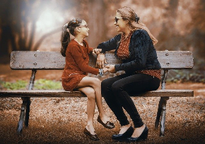 mother-and-daughter-3281388_640.jpg