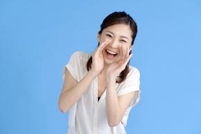 輝く笑顔の女性.jpg