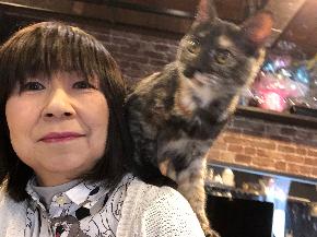 肩乗り猫1.JPG