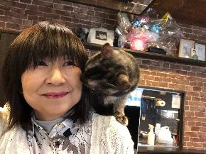 肩乗り猫2.JPG