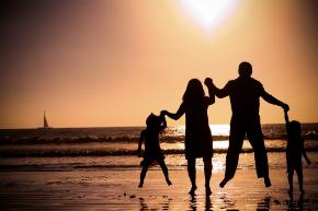 familia-que-lo-tiene-todo-1024x682.jpg