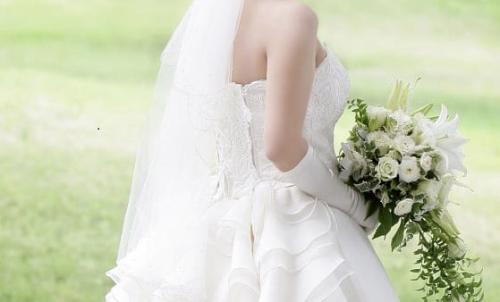 ウエディングドレス画像.jpg