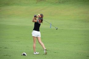 ゴルフ女性.jpg