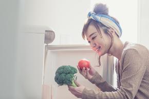 女性 野菜 選ぶ.jpg