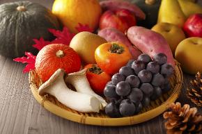秋の食べ物.jpg
